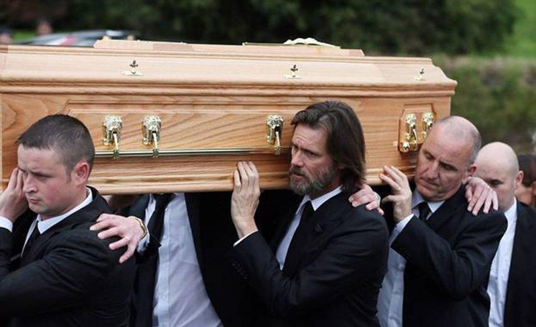 Голливудский актер Джим Керри пойдет под суд - фото 49302