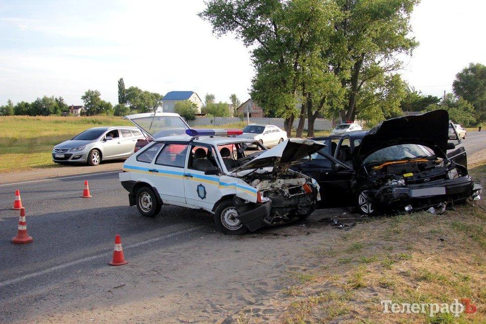 Полиция попала в масштабное ДТП в Кременчуге: четверо пострадавших - фото 53274