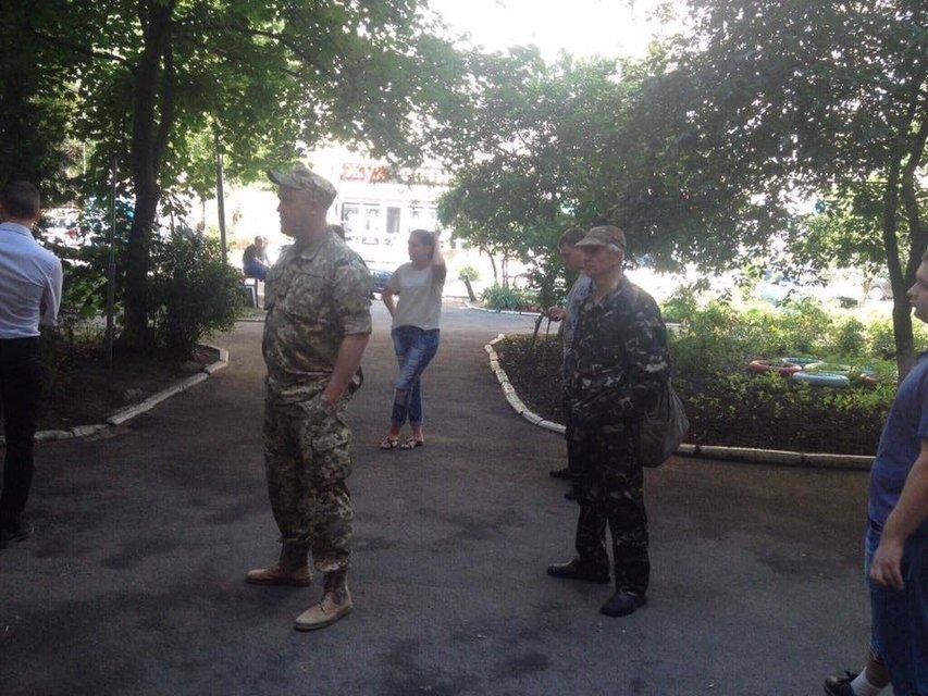 Берегись автомобиля: в Одессе призывникам устроили облаву на машине дельфинария - фото 53563
