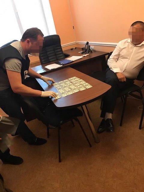 Янтарная мафия: депутат райсовета пытался подкупить полицейского - фото 52817