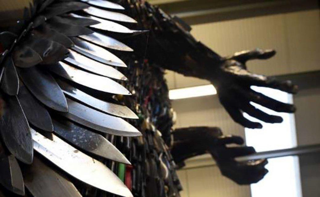 Восьмиметровая статуя ангела скульптора Альфи Рэдли - фото 61968