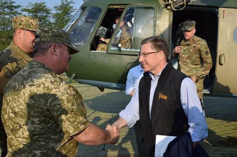 Кто такой Курт Волкер: чем известен спецпредставитель США по Украине - фото 60145