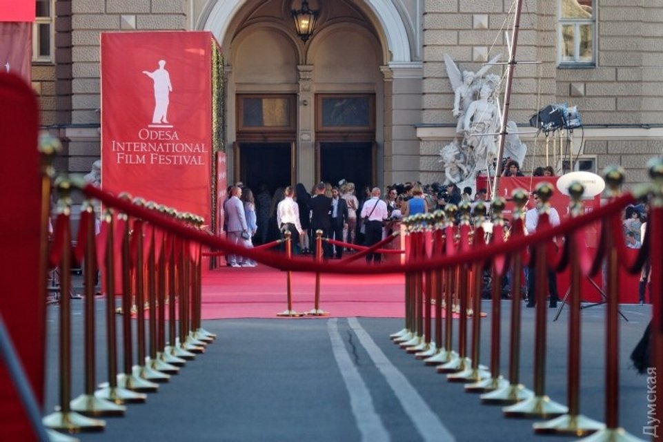 Одесский кинофестиваль: Все подряд на красной дорожке (фото) - фото 58085