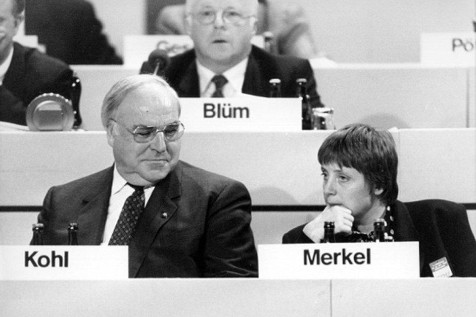 Железная фрау: Как Ангела Меркель заставила весь мир себя уважать - фото 57921