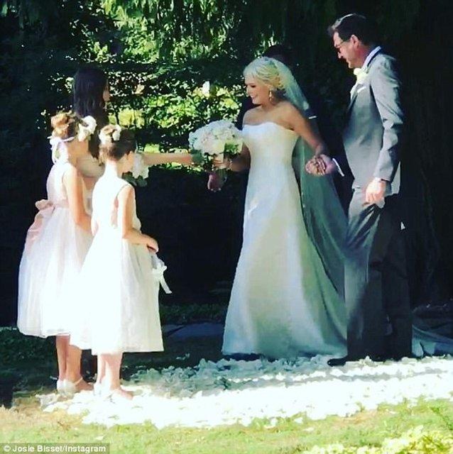 Свадьба Джози Биссет и Томаса Дойга - фото 57402