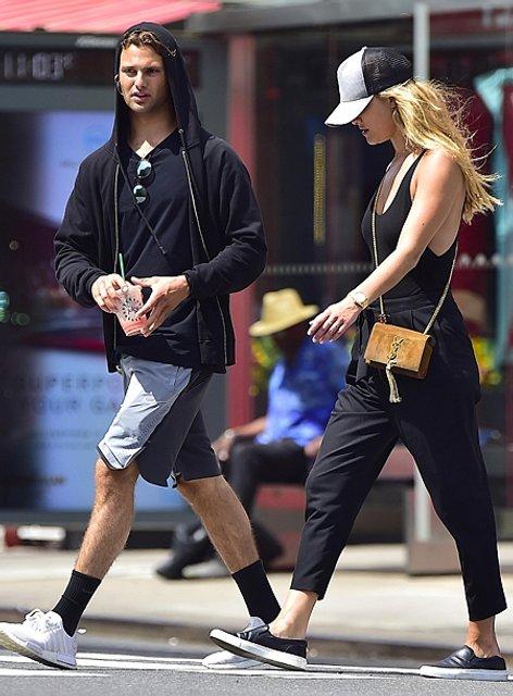 Нина и Джек на прогулке в Нью-Йорке - фото 55819