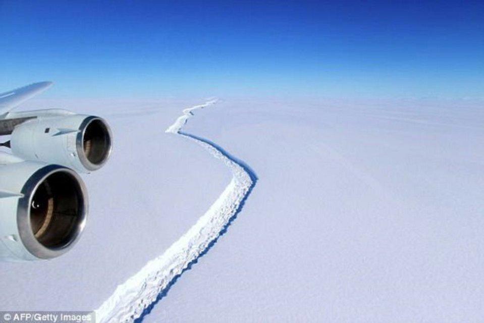 Трещина на леднике Ларсена - фото 57379