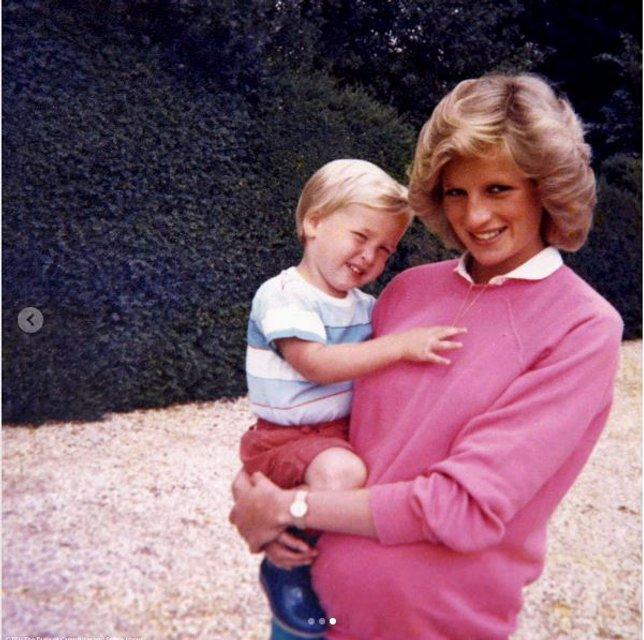 Принцесса Диана и принц Гарри - фото 60140