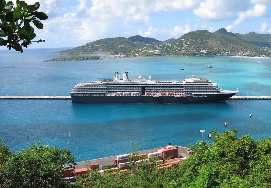 Вышел из тени: Рабинович торговался за участок на острове в Карибском море за $12 млн - фото 60210