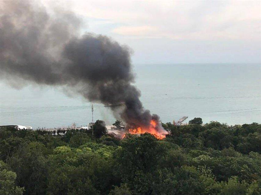 """Пожар в ресторане """"Хуторок"""" в Одессе - фото 60359"""