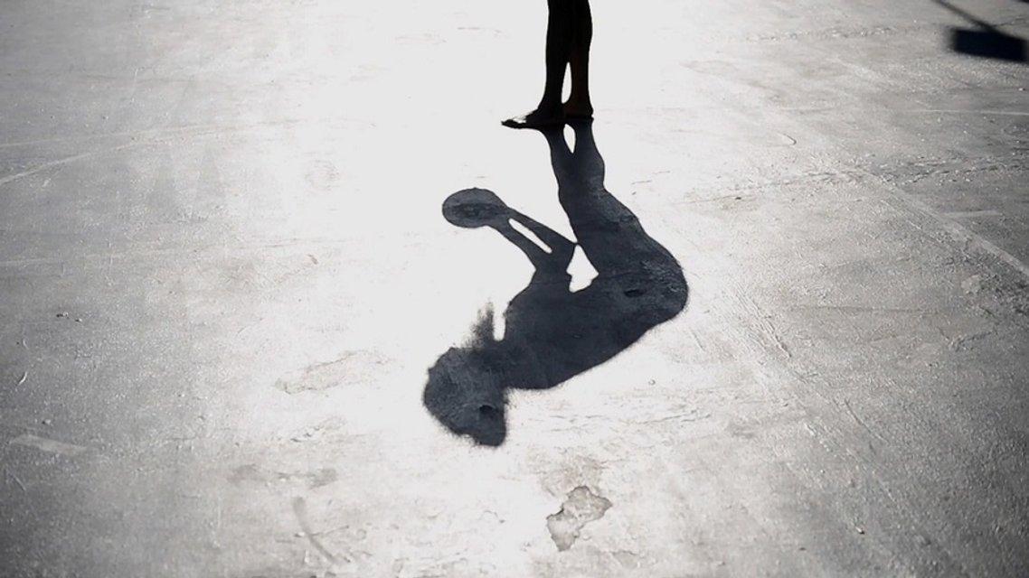 Ннека Огвумике полностью обнажилась для журнала - фото 56606