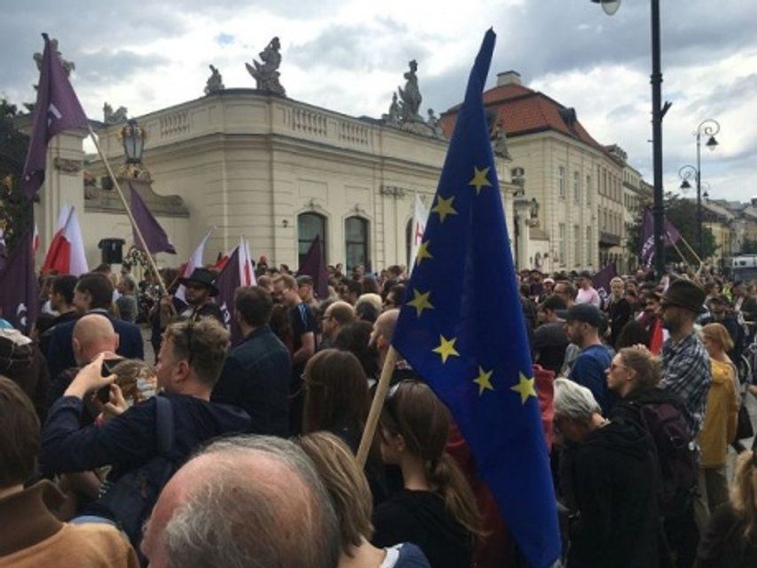 Акция протеста в столице Польши - фото 58225
