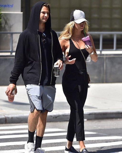 Нина и Джек на прогулке в Нью-Йорке - фото 55817