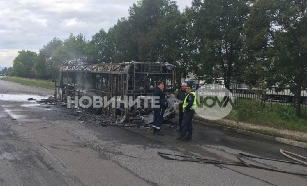 В Болагрии сгорел автобус с россиянами - фото 61480