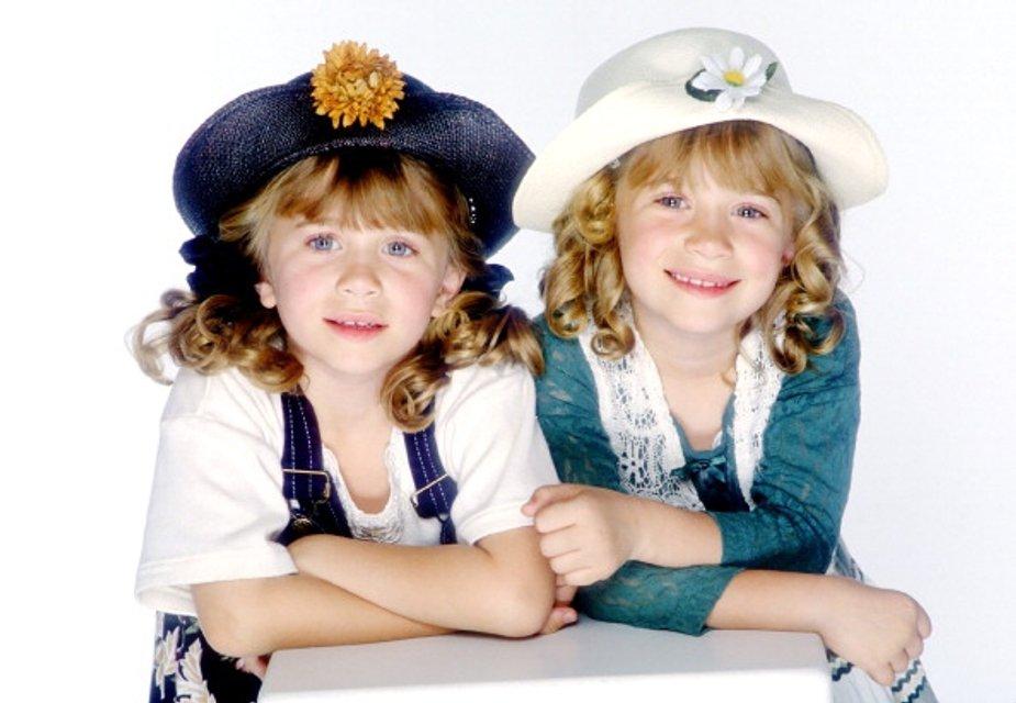 Мэри-Кейт и Эшли Олсен в детстве - фото 60167
