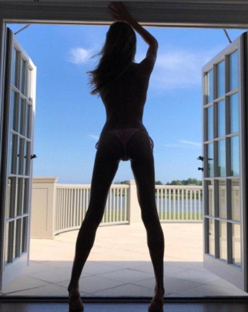 Алина Байкова похвасталась стройным телом - фото 57297