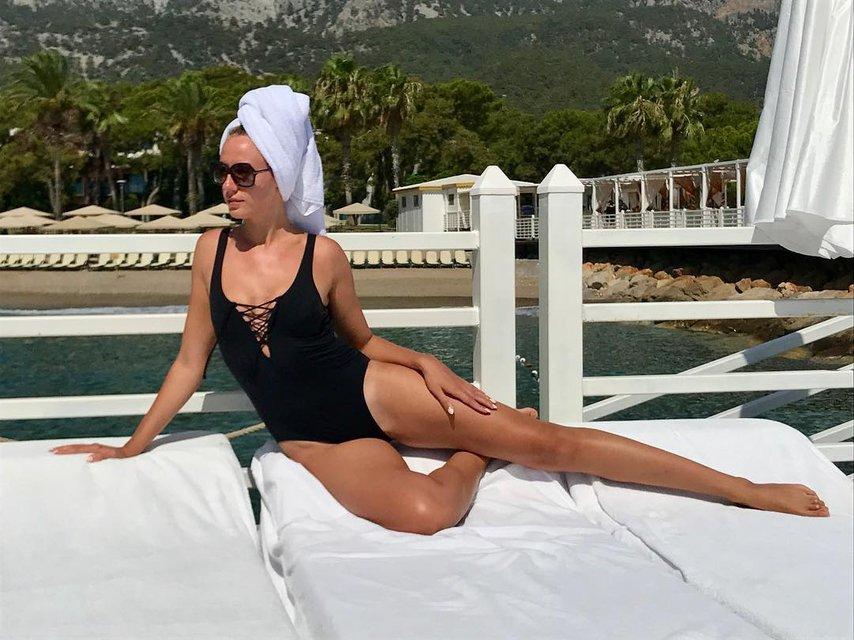 Леся Никитюк в купальнике - фото 62020