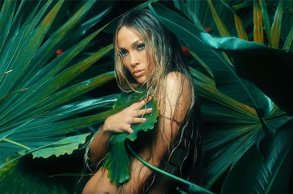 Дженнифер Лопес в клипе на песню Ni Tú Ni Yo - фото 57186