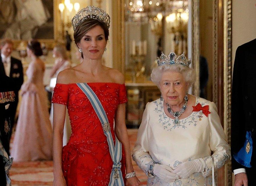 Королева Летиция и королева Елизавета II - фото 57700