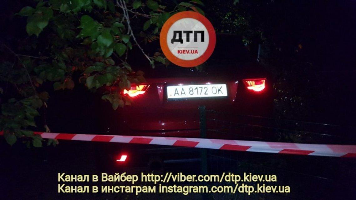 Пьяный полицейский сбил двоих пешеходов и пытался скрыться - фото 59207