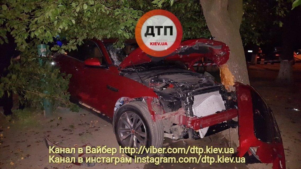 Пьяный полицейский сбил двоих пешеходов и пытался скрыться - фото 59212