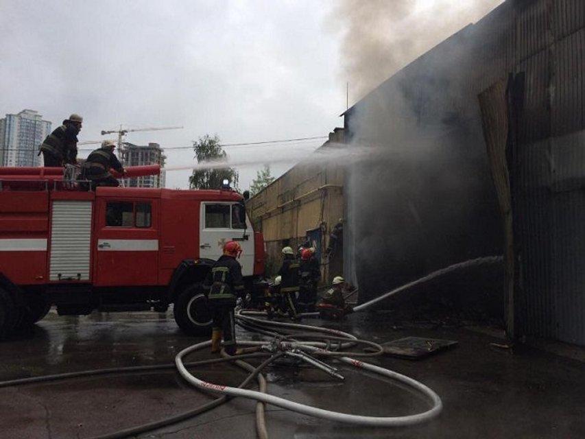 Пожар в Печерском районе Киева: фото - фото 61815