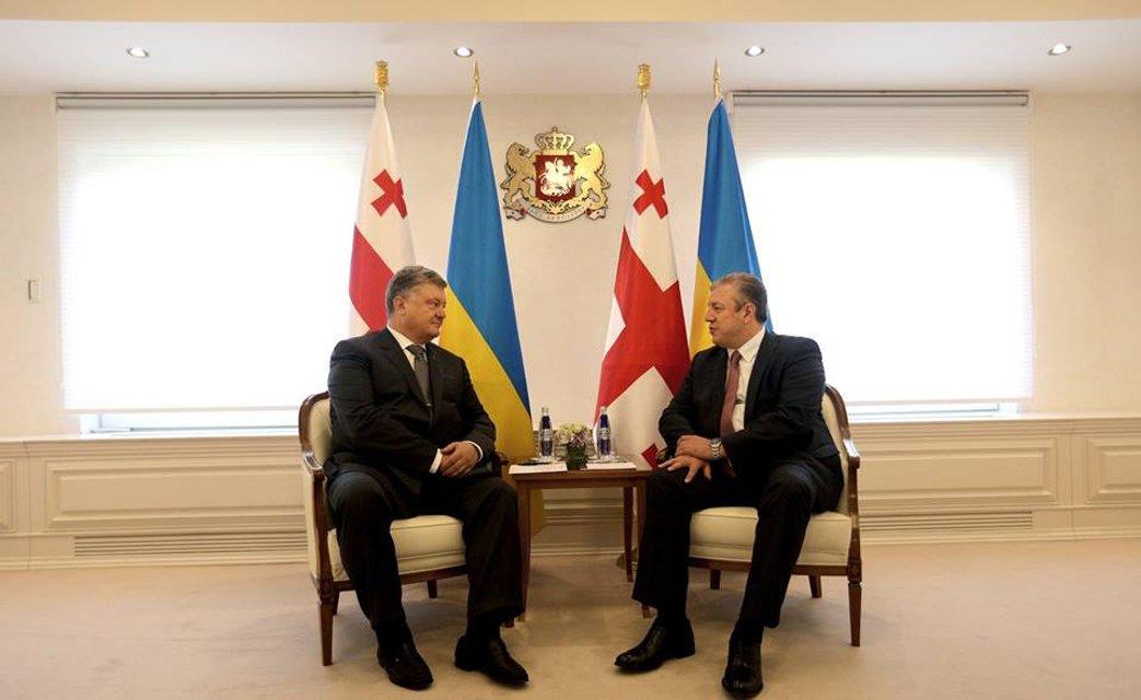 Грузин без гостя – не грузин: Зачем Петр Порошенко полетел в Тбилиси - фото 58689