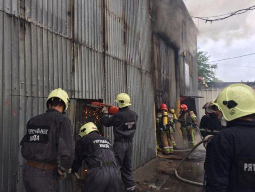 Пожар в Печерском районе Киева: фото - фото 61817