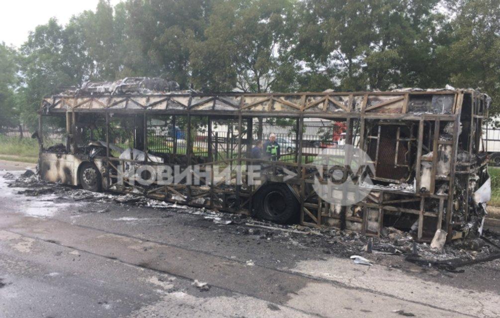 В Болагрии сгорел автобус с россиянами - фото 61479