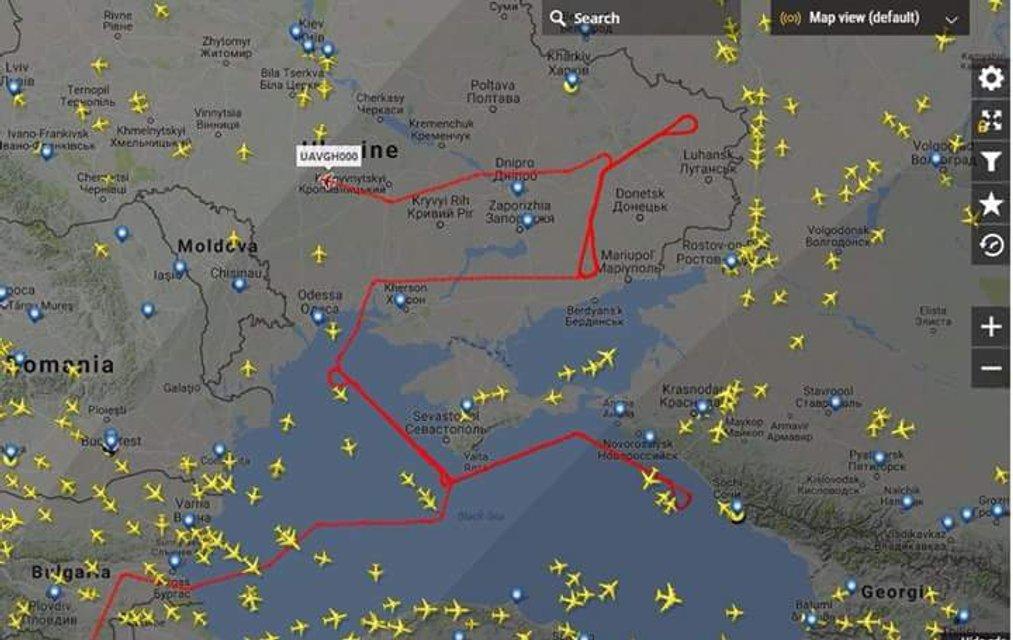 Беспилотник ВВС США провел разведку над Донбассом - фото 59537