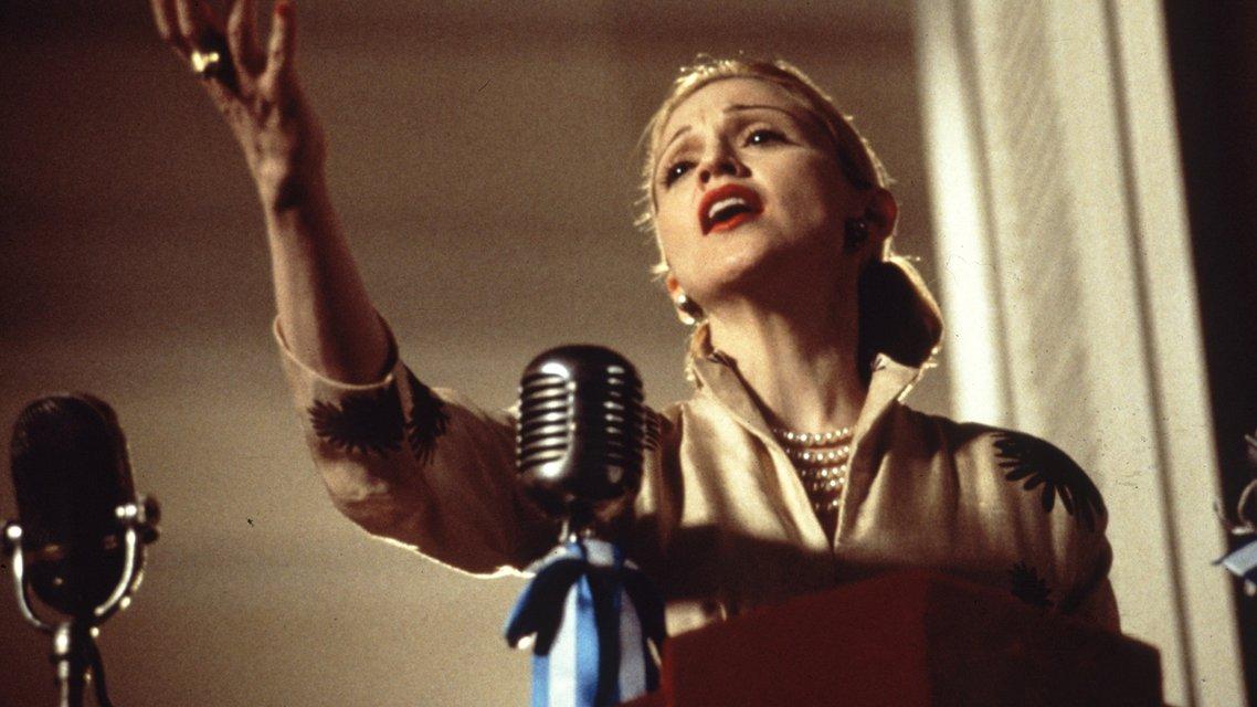 День рождения Мадонны - 59 лет: Как менялась певица на протяжении своей карьеры (фото) - фото 66937