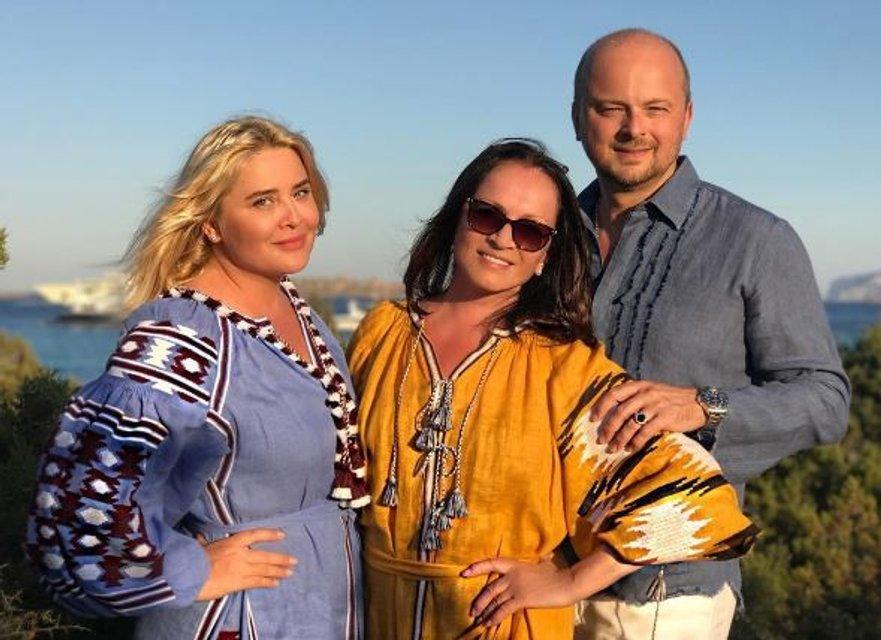 Юбилей Софии Ротару: 70 лет легендарная певица встретила с семьей на Сардинии - фото 64180
