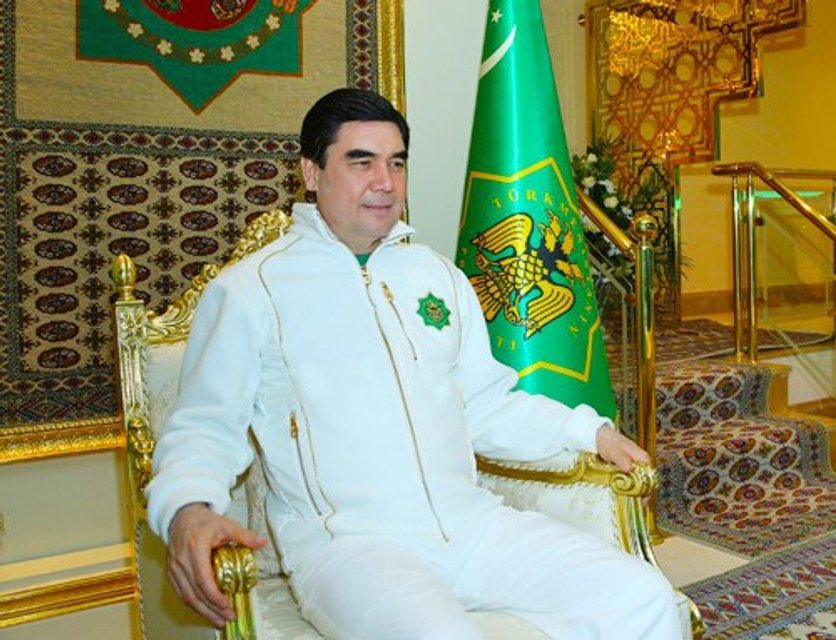 Как Шварц: Президент Туркменистана пострелял на учениях, чтобы показать свою подготовку - фото 62951