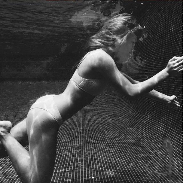 Соня Киперман похвалилась горячими фото в бикини - фото 66449