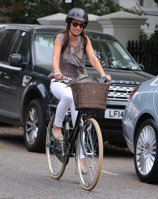 Пипа Миддлтон поразила красотой на велопрогулке - фото 67991