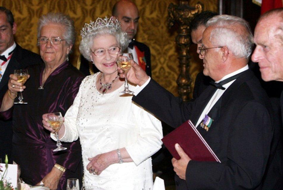 Королева Елизавета II - фото 62734