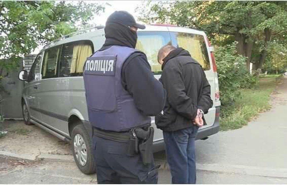 В Киеве задержали разбойников, месяцами наводивших ужас на клиентов обменников - фото 70303