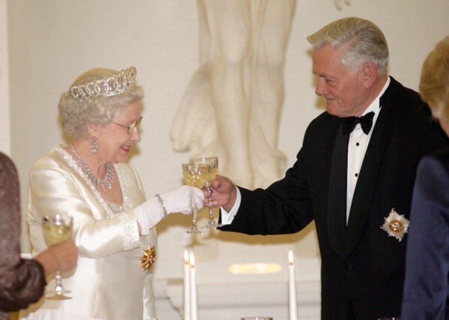 Королева Елизавета II - фото 62738