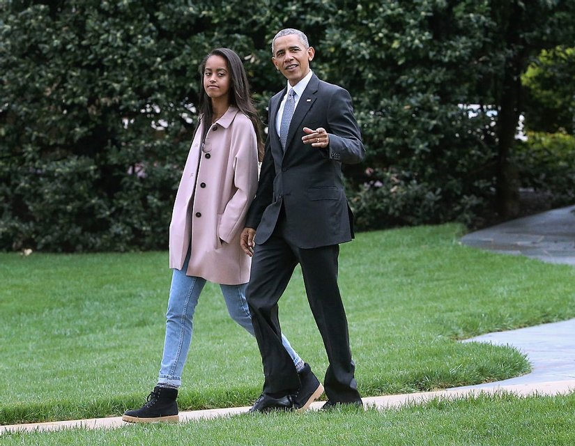 Барак Обама с Малией - фото 64258