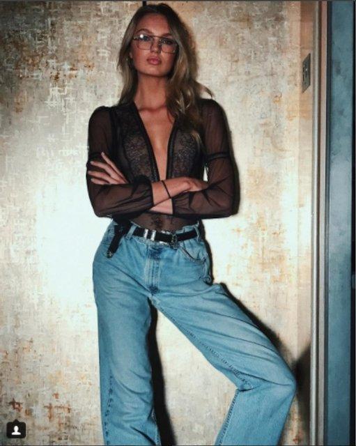 Роми Стрейд обнажилась перед зеркалом - фото 63102