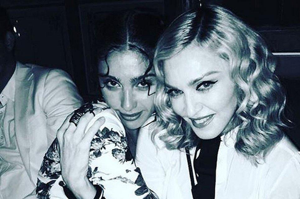 День рождения Мадонны - 59 лет: Как менялась певица на протяжении своей карьеры (фото) - фото 66919