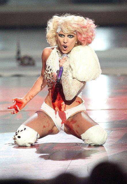 Леди Гага готовит шестой музыкальный альбом - фото 70290