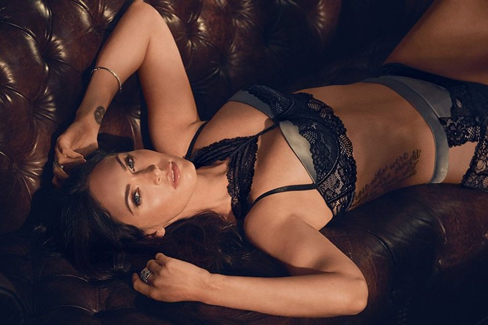 Меган Фокс снялась в откровенной рекламе нижнего белья собственного дизайна - фото 70352
