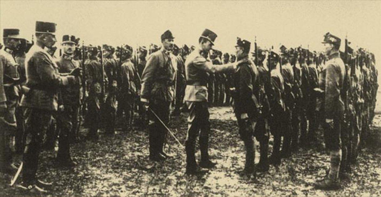 Престолонаслідник імперії інспектує український легіон - фото 67842