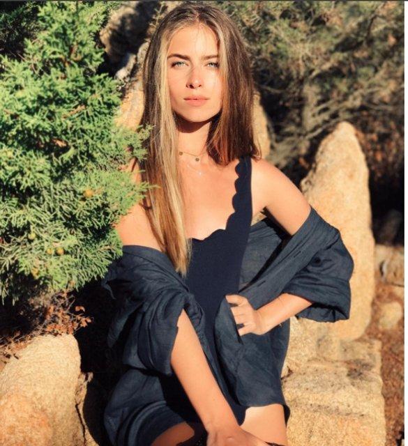 Соня Евдокименко покорила стройной фигурой на отдыхе - фото 64797