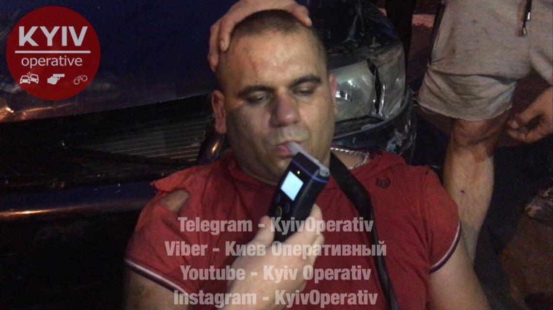 В Киеве пьяный вусмерть водитель совершил 4 ДТП за один вечер - фото 64753