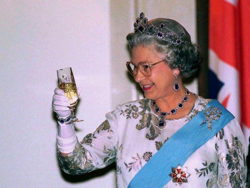Королева Елизавета II - фото 62733