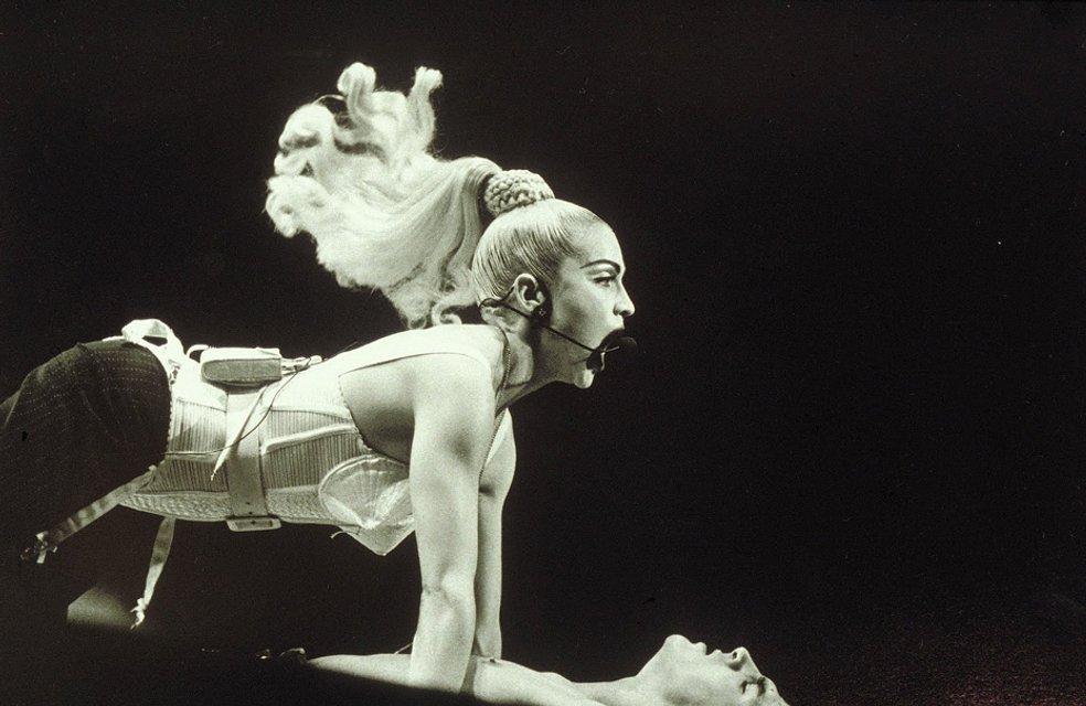 День рождения Мадонны - 59 лет: Как менялась певица на протяжении своей карьеры (фото) - фото 66930