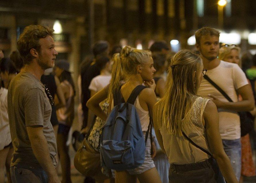 Люди шокированы нападение террористов - фото 67812