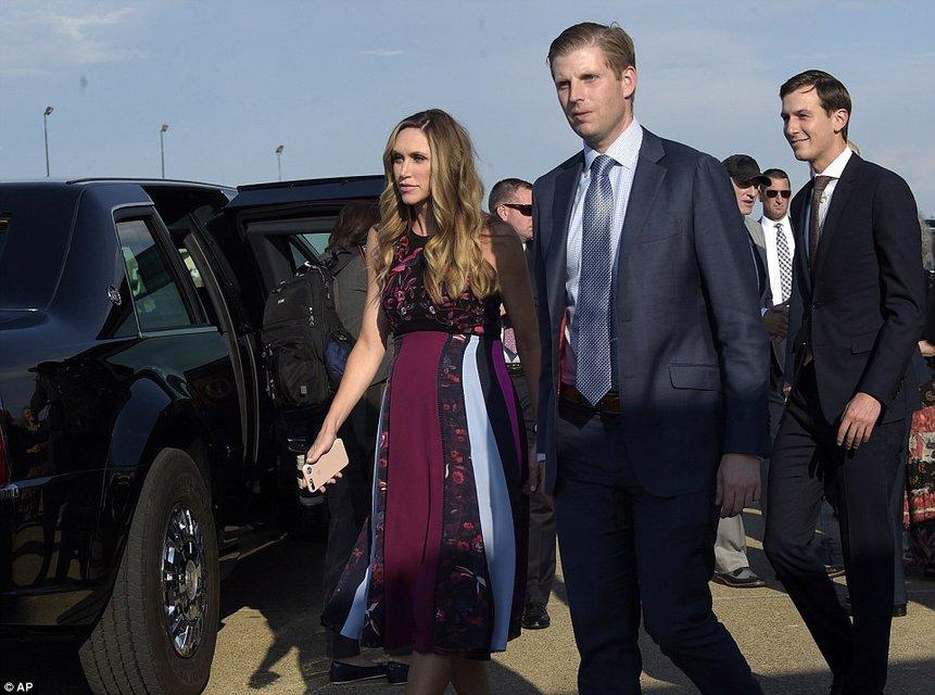 Невестка Трампа Лара Юнаска подчеркнула беременность элегантным платьем - фото 63655